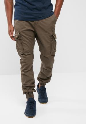 Superdry. Rookie Grip Cargo Pants Green