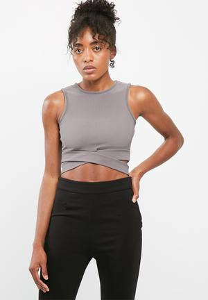 Missguided Cut Out Front Yoga Top T-Shirts Mauve
