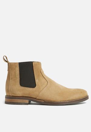 Basicthread Cameron Suede Chelsea Boot Soft Tan