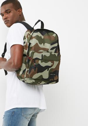 UNSEEN Camo Backpack Bags & Wallets Green