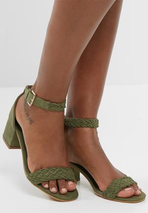 Zoom Celeste Heels Green