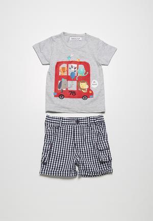 Bus t-shirt & shorts set