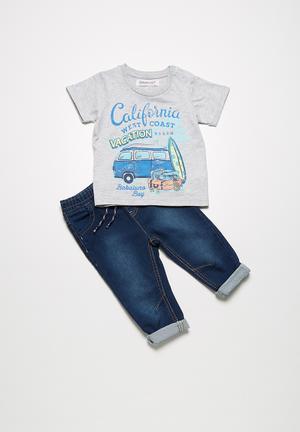 Cali t-shirt and jeans set