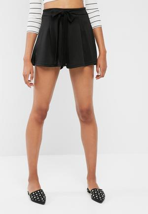Dailyfriday Tie Front Knit Shorts Black