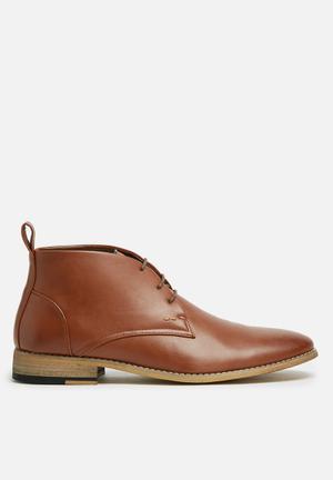 Basicthread Entice Boots Tan