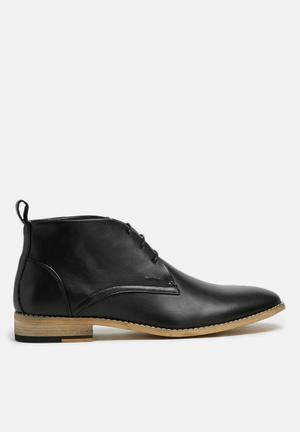 Basicthread Entice Boots Black