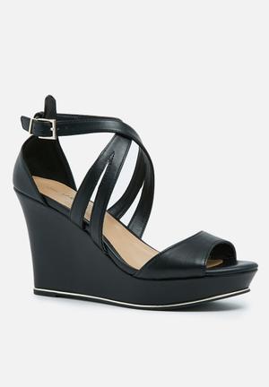 Call It Spring Herde Heels Black