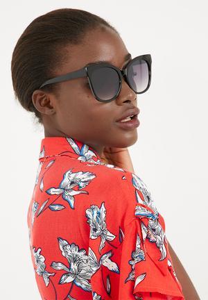 Missguided Oversized Simple Sunglasses Eyewear Plastic