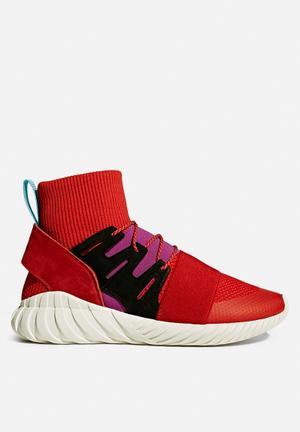 Adidas Originals Tubular Doom Sneakers Scarlet / Shock Purple