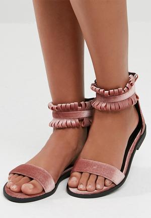 Dailyfriday Georgia Sandals & Flip Flops Pink