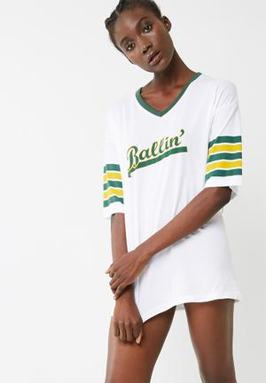 Missguided Slogan Night T-shirt Sleepwear White, Green & Yellow