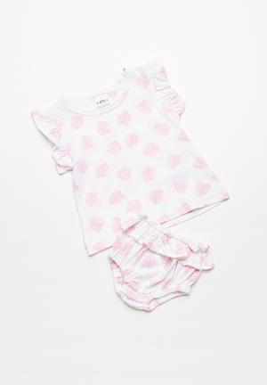 Kapas Frilly Bloomers Shorts Pink & White