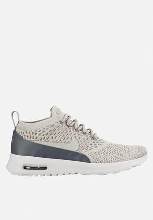 Nike Air Max Thea Ultra Flyknit Sneakers  Pale Grey / Dark Grey