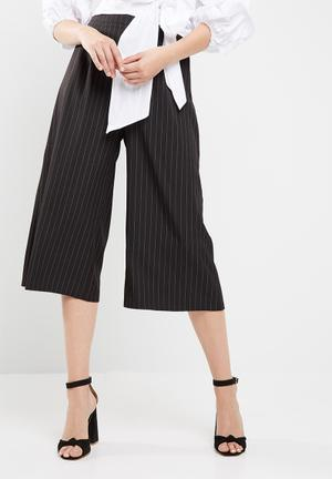 Missguided Pinstripe Culottes Trousers Black & White