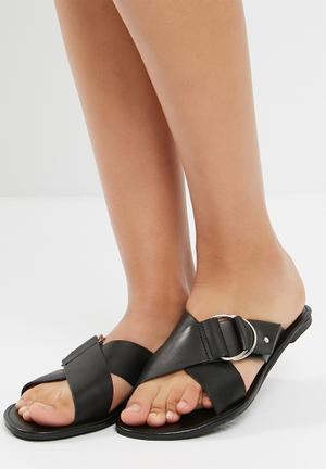 d8a6fc300 dailyfriday Sandals   Flip Flops for Women