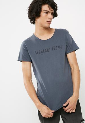 Sergeant Pepper Heritage Logo Tee T-Shirts & Vests Blue
