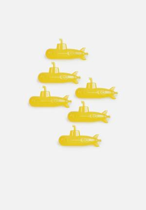 Kikkerland Reusable Ice Cubes Submarine Set Of 6 Gifting & Stationery