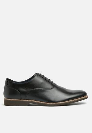 Steve Madden Nunan Formal Shoes Black