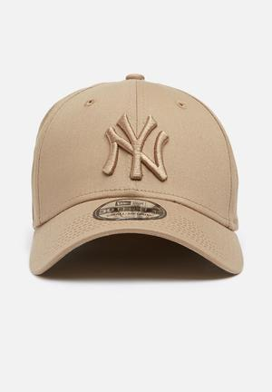 New Era League Essential 39thirty Headwear Beige