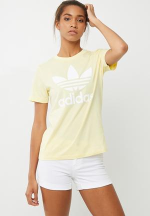 Adidas Originals Classic Logo Tee T-Shirts Pale Yellow