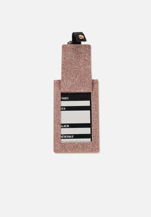 Core luggage tag
