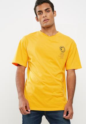 Cotton On Tbar Tee T-Shirts & Vests Yellow