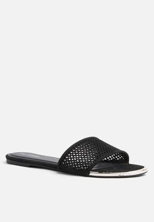 Call It Spring Aciawia Sandals & Flip Flops Black