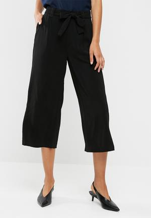 New Look Topaz Self Tie Wide Crop Trousers Black