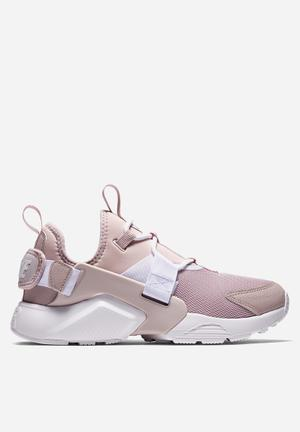Nike Air Huarache City Low Sneakers Particle Rose / White