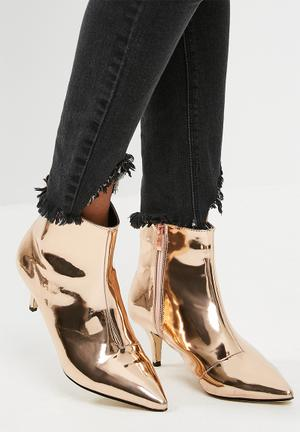 Footwork Whish Boots Rose Gold