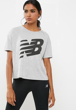 New Balance  Essentials Track Club Tee T-Shirts Grey