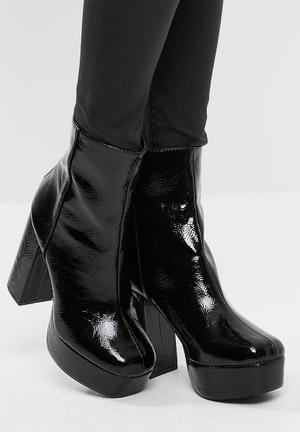 Missguided Vinyl Platform Ankle Boot Black
