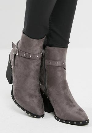 Missguided Silver Studded Western Ankle Boot Grey