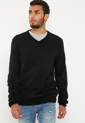 Basicthread Basic Vee Neck Slim Fit Knit Knitwear Black