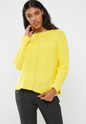 5fba2e81384d09 Sabah One Shoulder Top Yellow. By ONLY R324 R499 -35%. Add to wishlist.  Jemma knit sweater