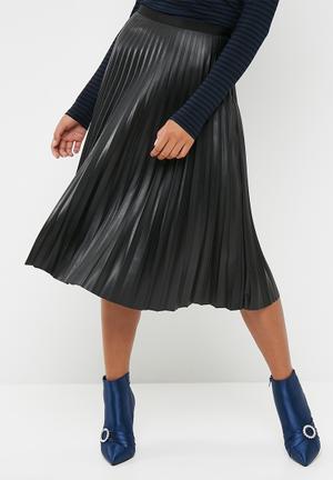 Vero Moda Jo Butter PU Midi Skirt Black