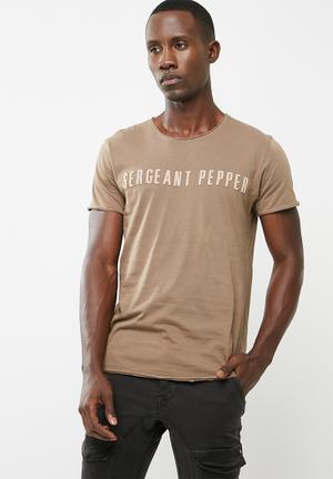 Sergeant Pepper Applique Tee T-Shirts & Vests Brown