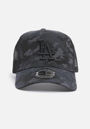 New Era Camo Team Trucker Headwear Black