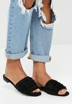 Missguided Frill Slip On Sandal Pumps & Flats Black
