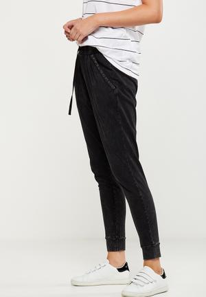 Cotton On Eddie Slim Relaxed Jersey Pant Trousers Black