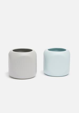 Grey Gardens Pencil Tealight Vase Set Of 2 Accessories Powder Coated Ceramic