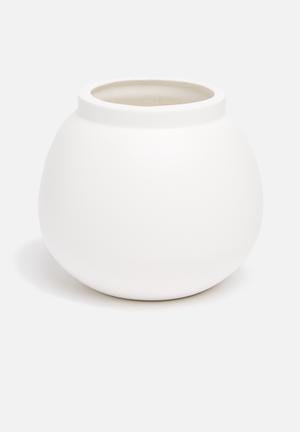 Grey Gardens Calabash Vase Accessories Powder Coated Ceramic