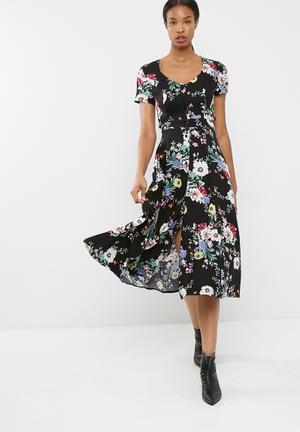 1fdb3fa7fd88 Cap sleeve midi dress with tie detail