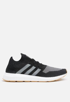Adidas Originals Swift Run Pk Sneakers Core Black /Off White /Ftwr White