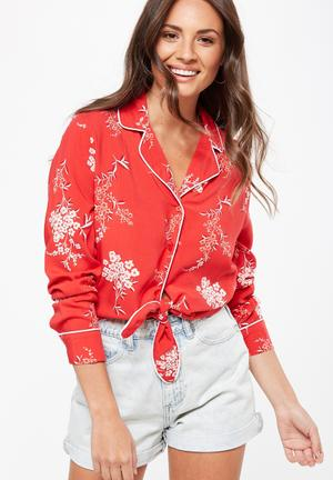 Cotton On Tara Wrap Tie Front Top Blouses Red
