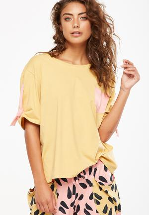 Cotton On Match Back Tie Sleeve Tee Sleepwear Yellow & Pink