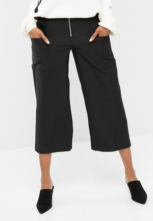 ONLY Belle Cropped Pants Trousers Black