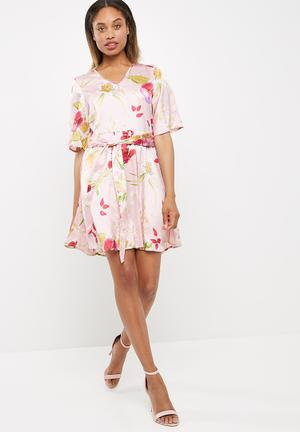 Vero Moda Jessica Floral Dress Formal Pink