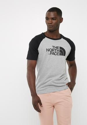 The North Face Raglan Easy Tee T-Shirts Grey & Black