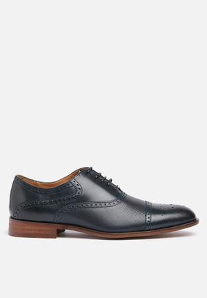 Steve Madden Hector Formal Shoes Navy